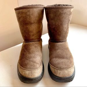 UGG Brown Winter Short Boots with Non-Slip Soles 8